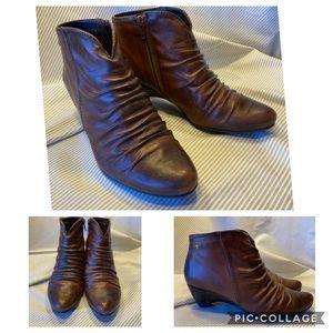 Pikolinos brown booties